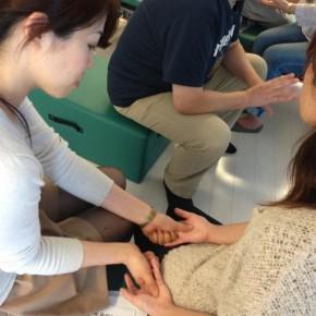 東洋医学の神秘〜指握り健康法WS(第3回)の様子